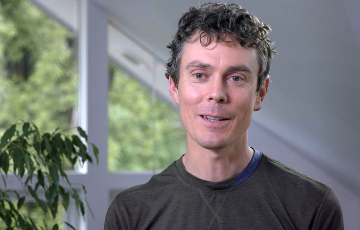 Scott Jurek Headshot
