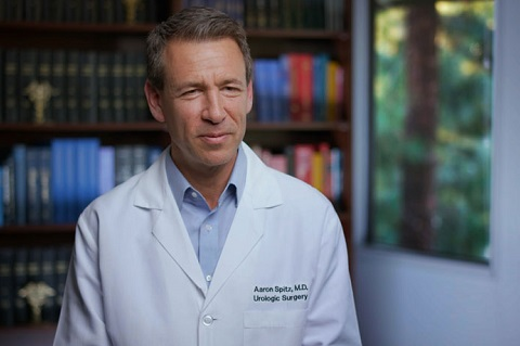 Dr. Aaron Spitz Headshot